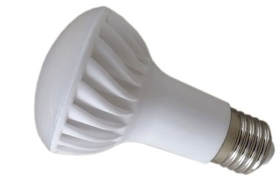 This is a 7 W 26-27mm ES/E27 Reflector/Spotlight bulb that produces a Warm White (830) light which can be used in domestic and commercial applications