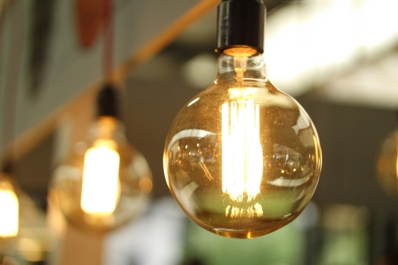 BLT Direct provide cafés with authentic retro lighting with large range of 'edison' style light bulbs