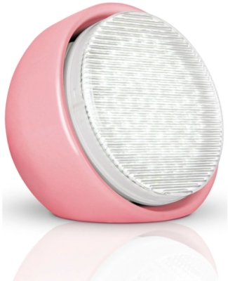 This is a 9 W bulb that produces a Daylight (860/865) light which can be used in domestic and commercial applications